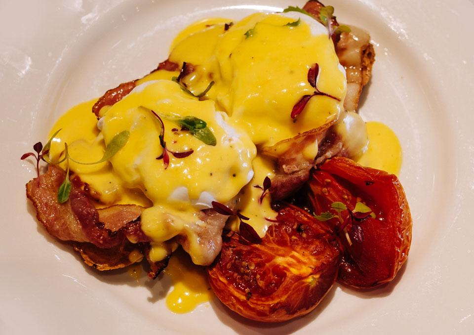 Toast Benedict breakfast
